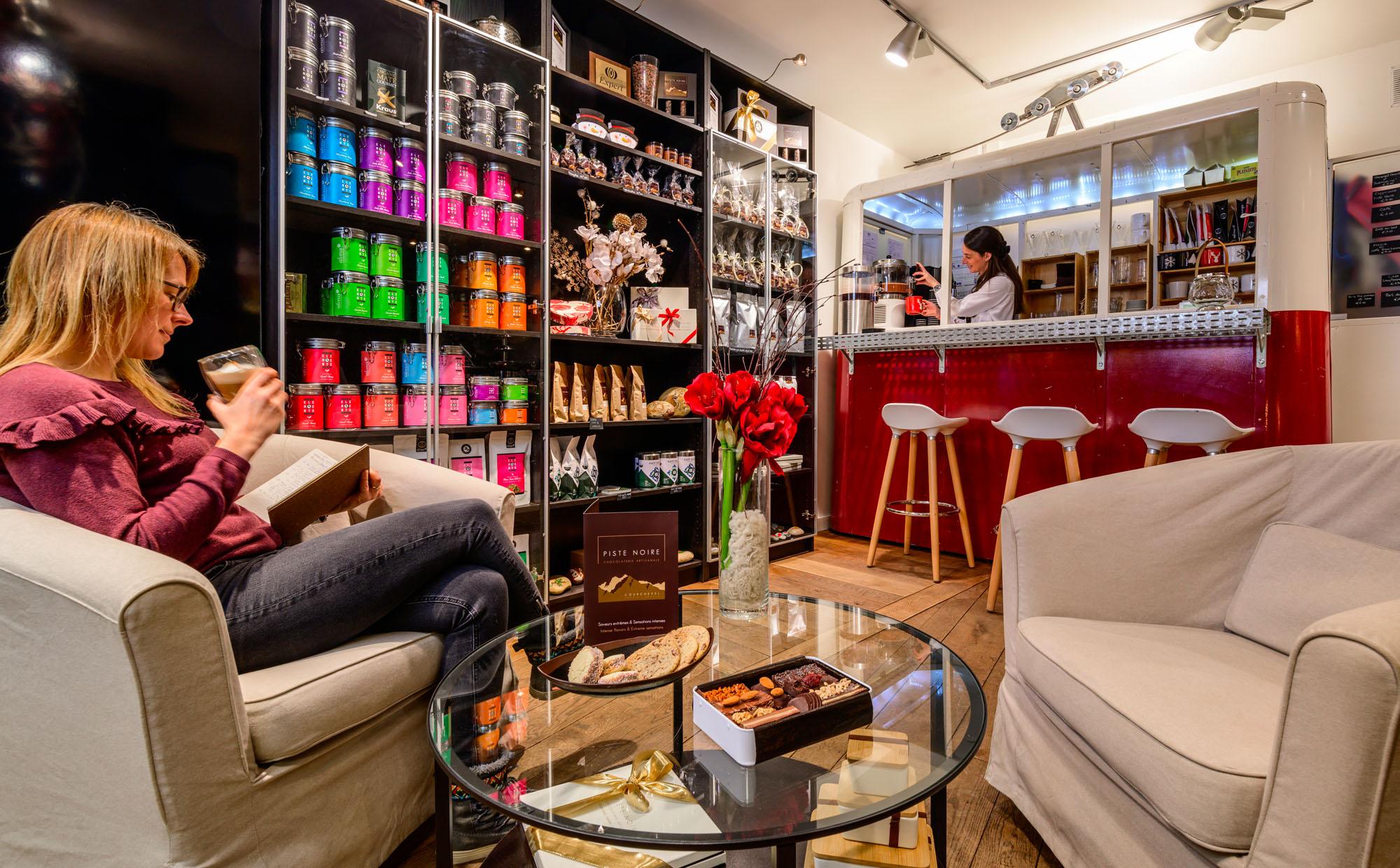 Café & boutique